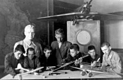 Первый год занятий в авиа кабинете после войны